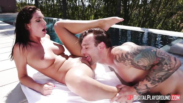 Sultry bombshell gets her latina pussy banged on a summer day