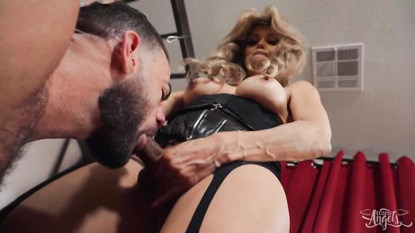 Brutal Man Gets His Muscular Ass Fucked By TS Stepmom