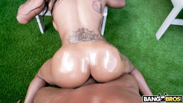 Big Black Cock For Exotic Chick Sarai Minx And Her Tight Pussy